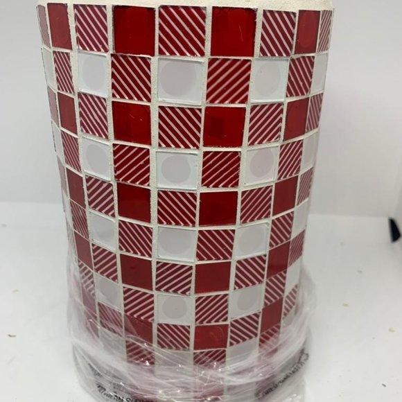 "8"" Illuminated Checkered Pillar"